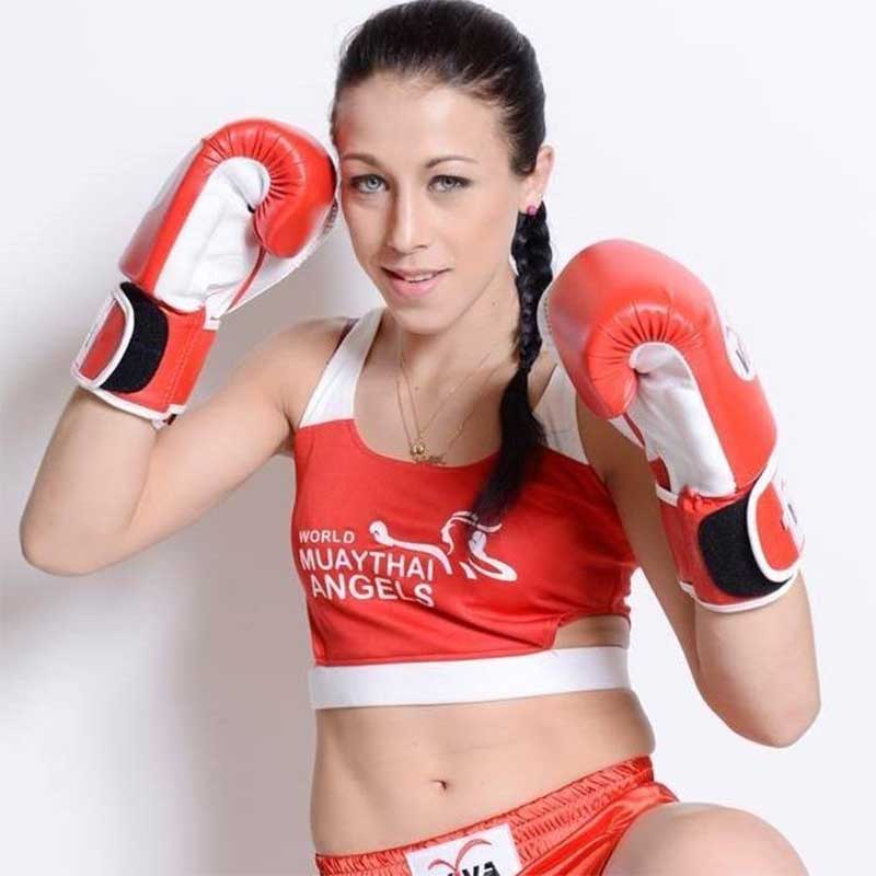 Dating female fighter