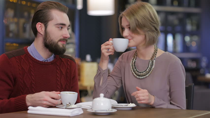couple drinking green tea for health benefits