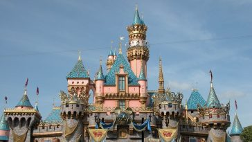 castle-of-the-sleeping-beauty-1173955_960_720.jpg