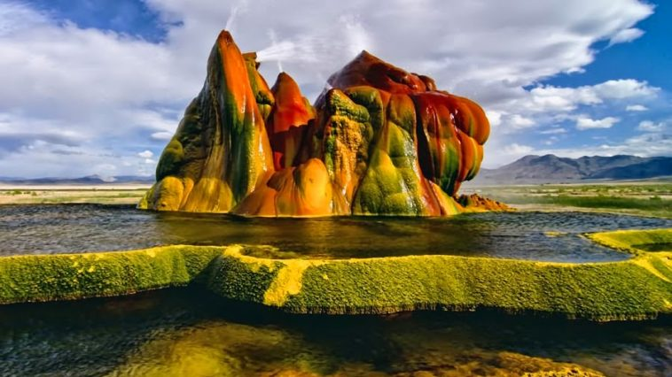 Fly-Geyser-on-private-Fly-Ranch-in-Washoe-County-Nevada-4-003-718872.jpg